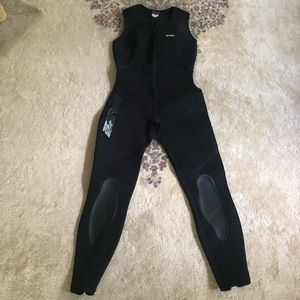 BARE Women's Wetsuit Size 10
